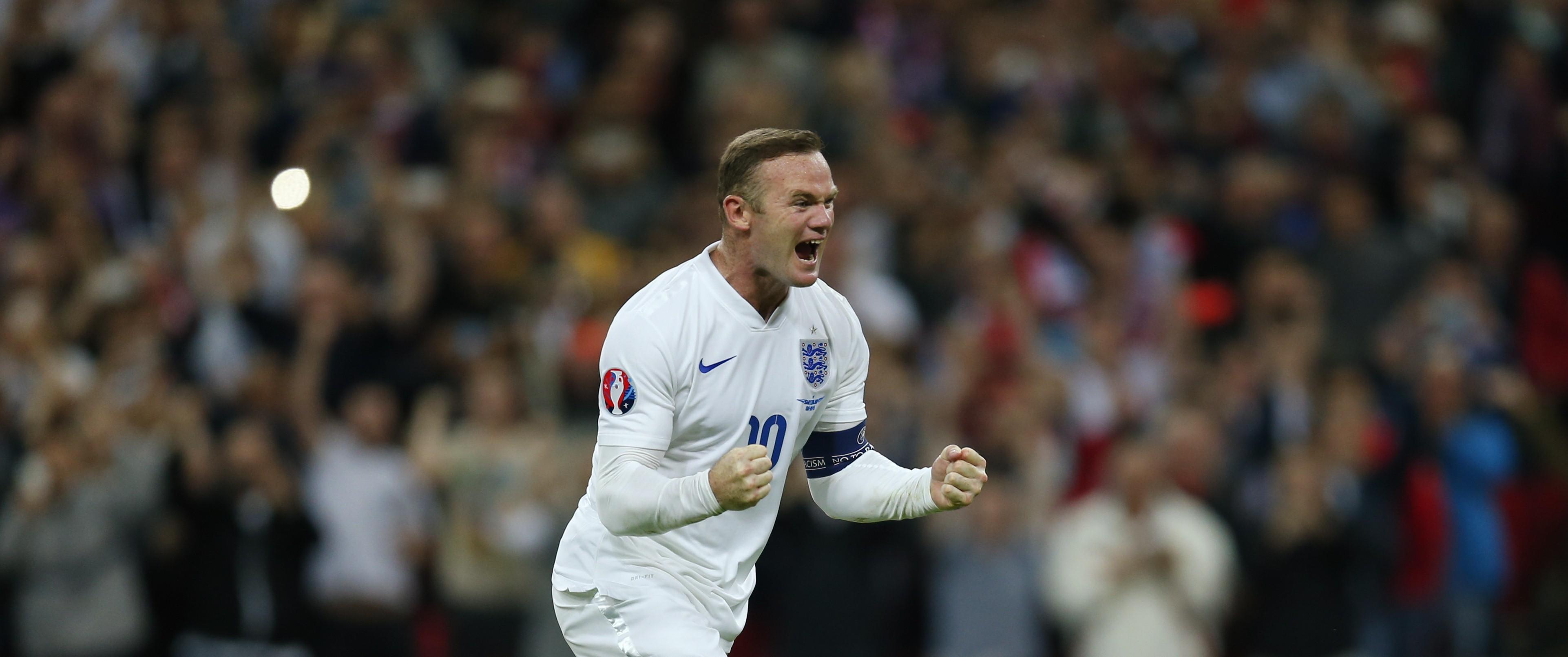 Уэйн Руни празднует 50-й гол за Англию