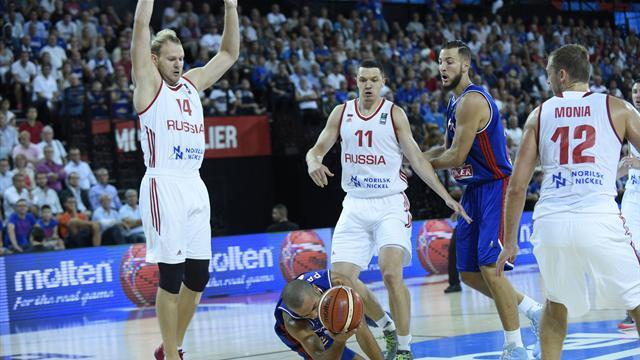 Сборная России проиграла четвертый матч на Евробаскете