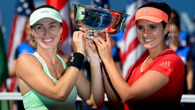 Hingis and Mirza claim doubles title