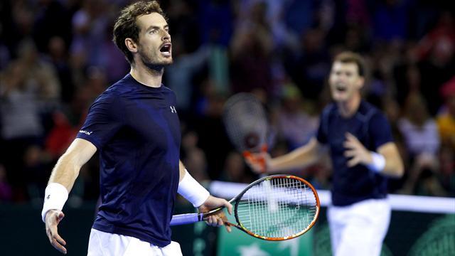 Tennis : Les fr�res Murray arrachent le point du double et la Grande-Bretagne vire en t�te face � l'Australie