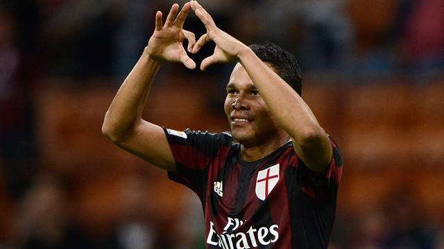 Un doublé de Bacca permet à l'AC Milan de repartir de l'avant