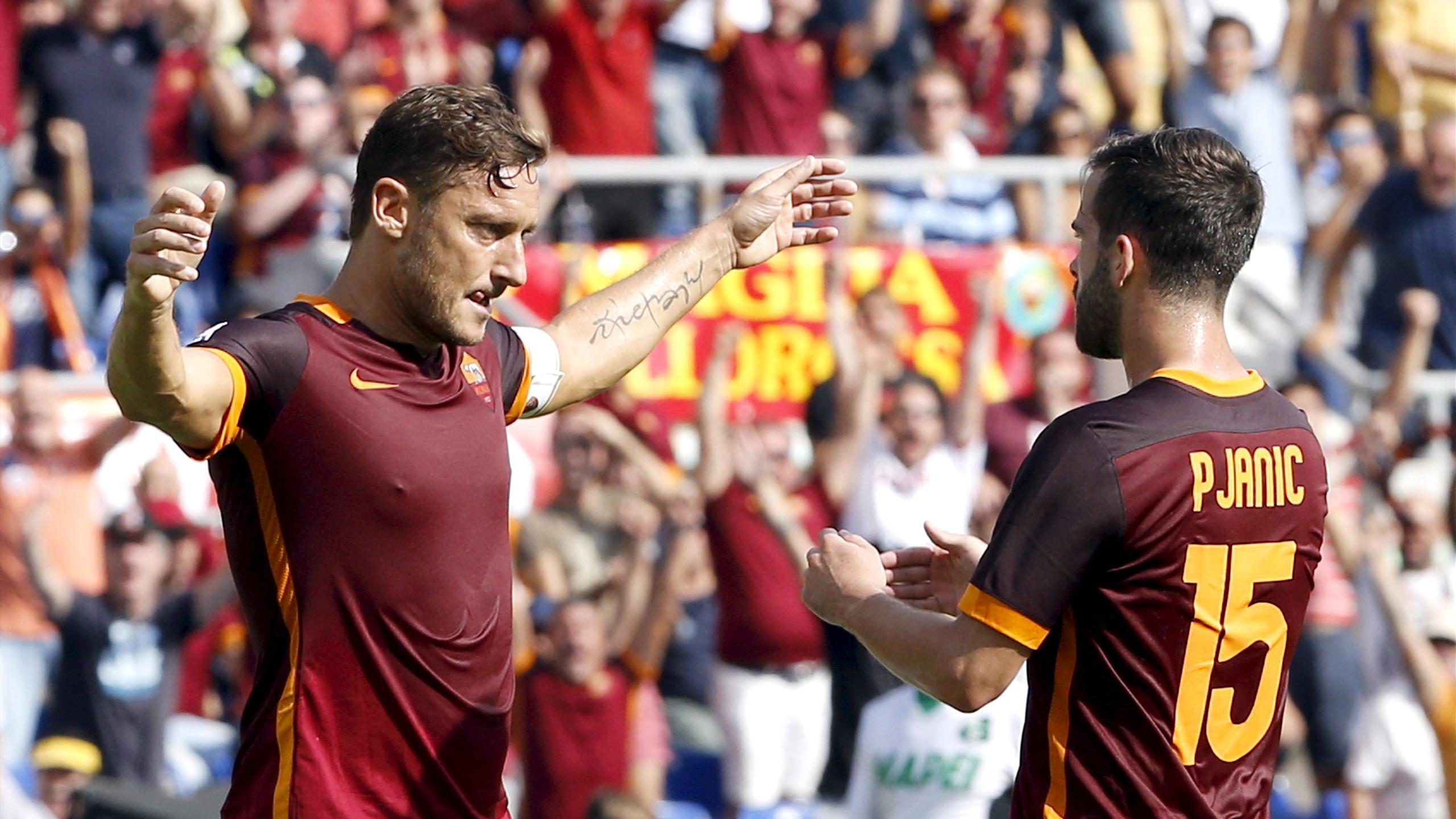 Francesco Totti celebrates his 300th Roma goal