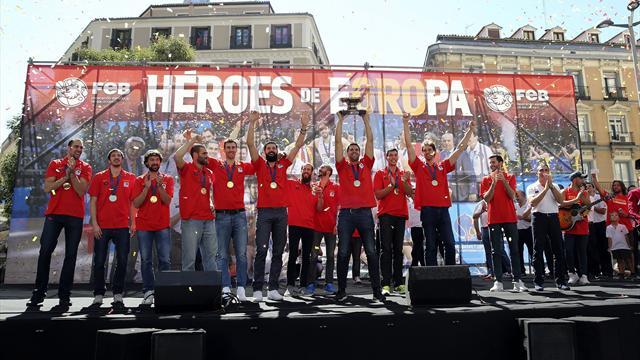 Miles de aficionados vibran con la Selección en Madrid
