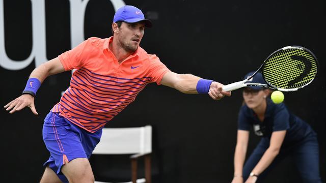 Зверев оштрафован на 36 тысяч евро за выступление на Australian Open  с травмой