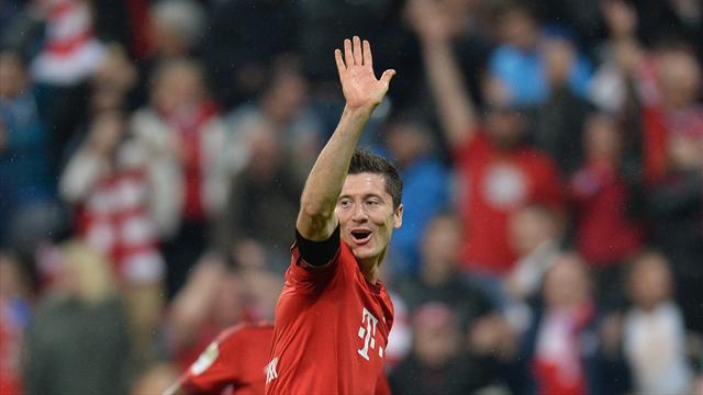 Левандовский стал третьим футболистом в истории, признанным спортсменом года в Польше