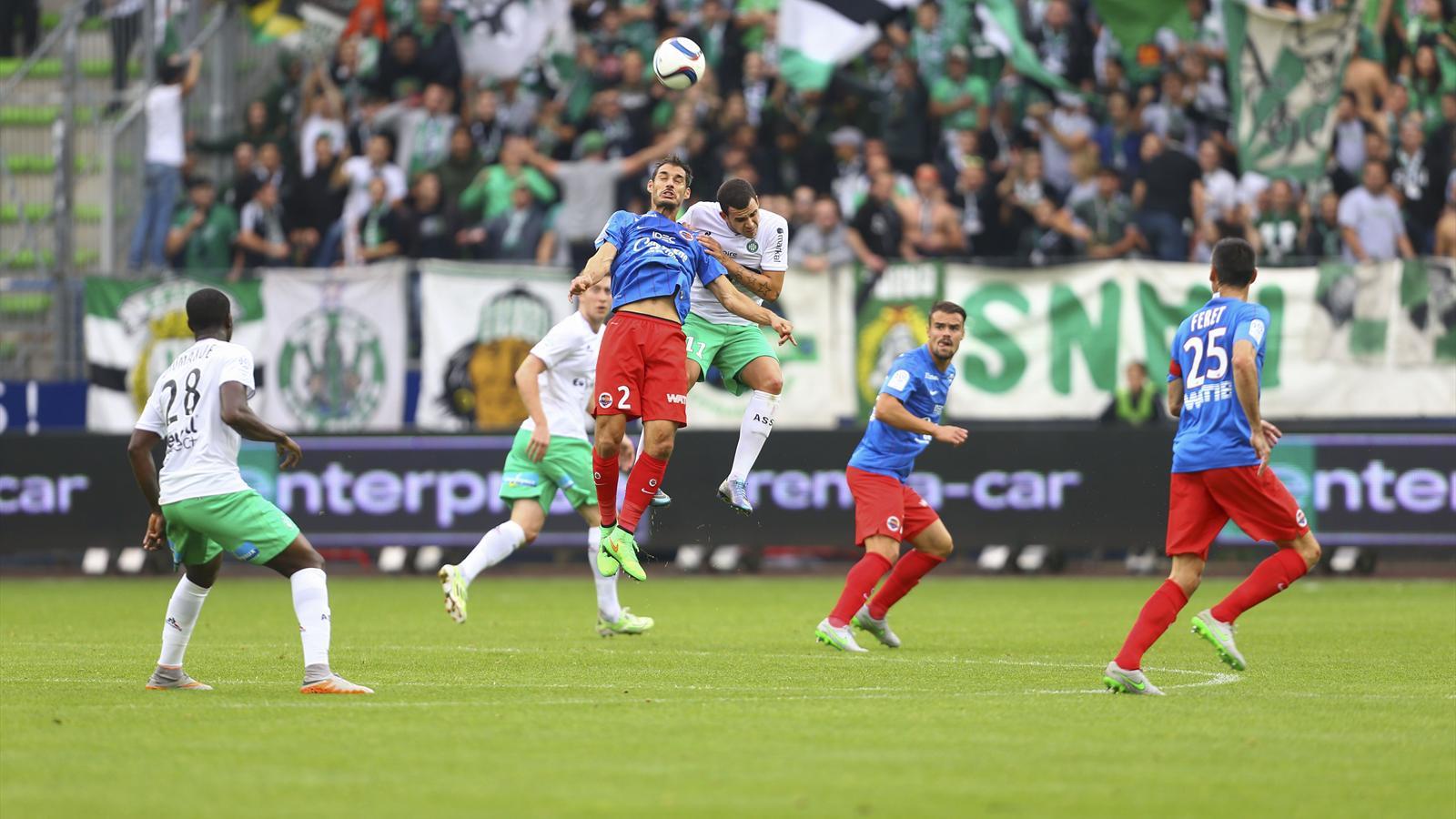 Caen Bat Saint Etienne 1 0 Et Grimpe Sur Le Podium