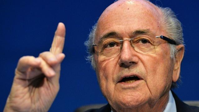 """Blatter souhaite """"bon courage"""" à son """"ami"""" Infantino dans une lettre ouverte"""