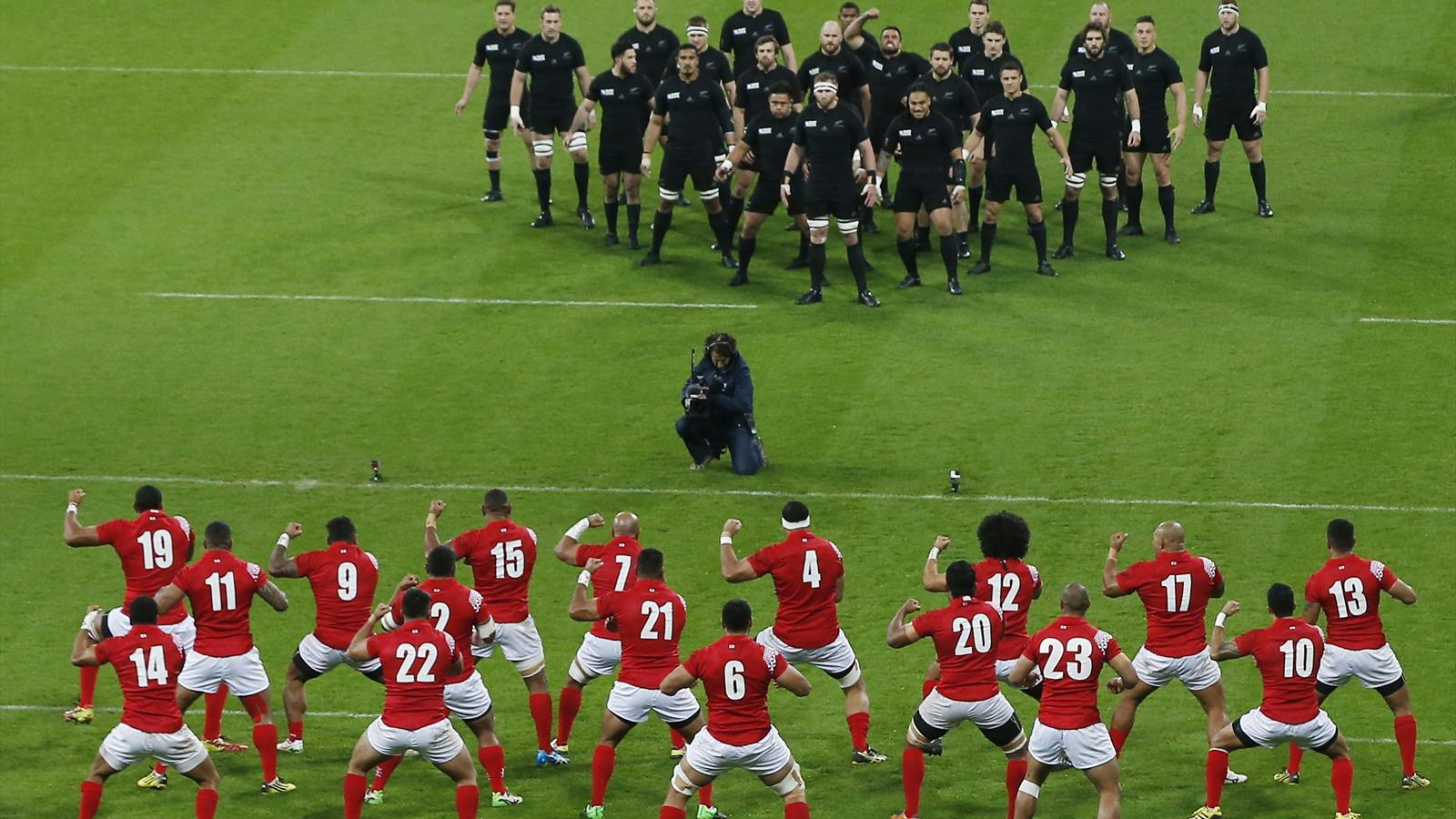 New Zealand v Tonga - Haka vs Sipi Tau