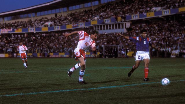 Чемпион Европы-1992 выбежал наполе голым впроцессе матча чемпионата Дании