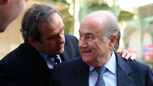 Platini se paie Blatter — FIFA