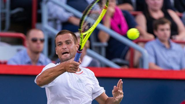 Youzhny through to second round in Gstaad