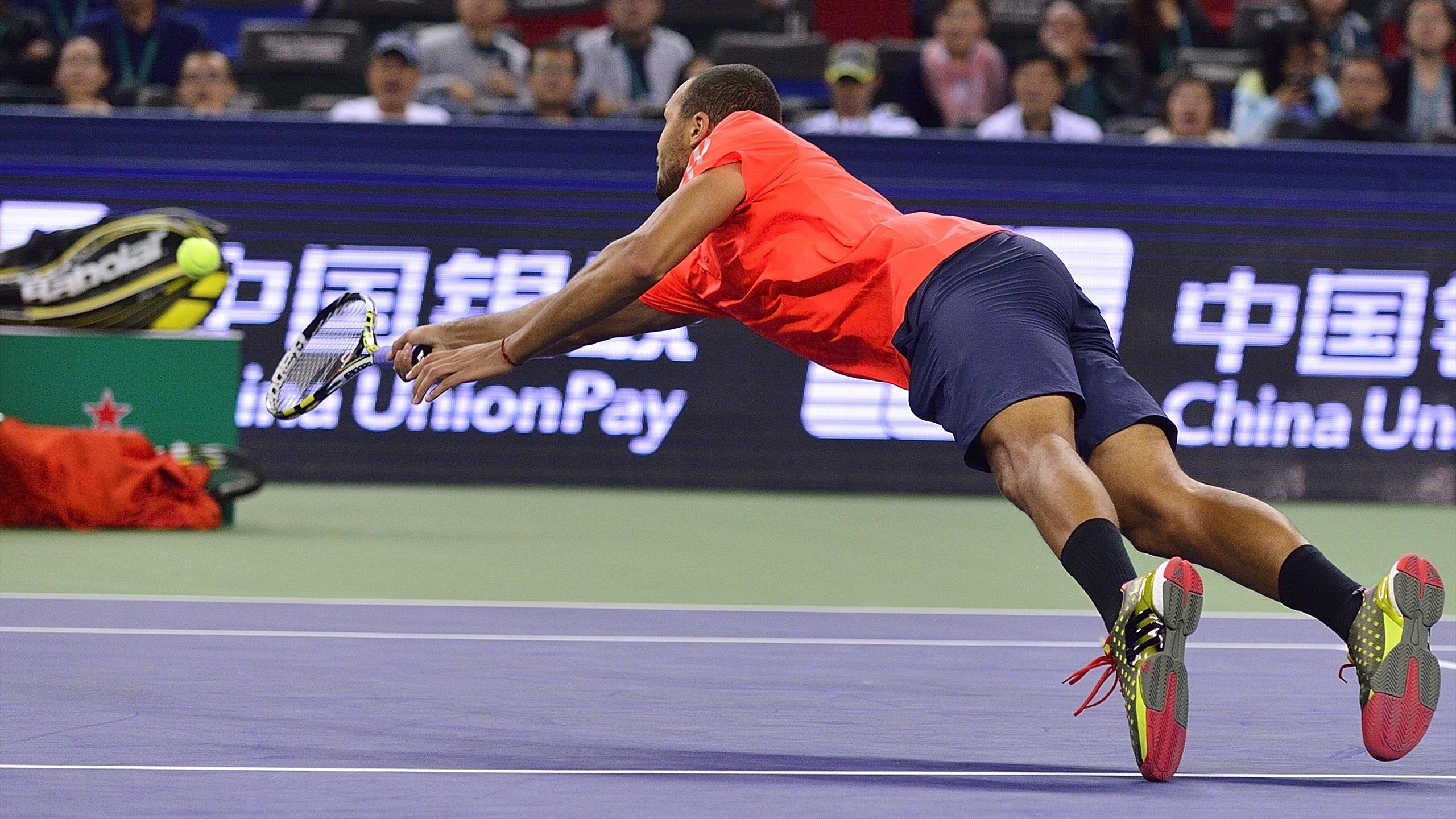 Oh le beau plongeon de Jo-Wilfried Tsonga contre Rafael Nadal.