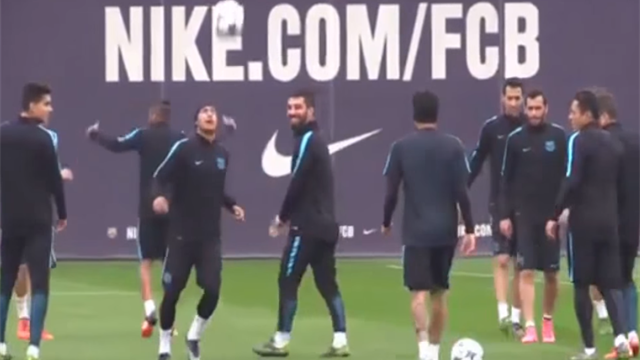 Neymar invente un geste technique que personne n