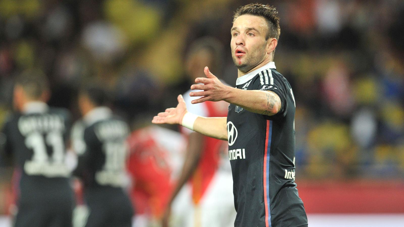 Mathieu Valbuena a du mal depuis son transfert à Lyon
