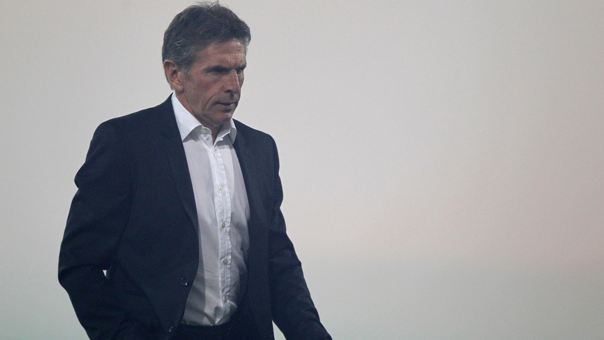 Claude Puel, l'entraineur de Nice sur la pelouse du Gazélec