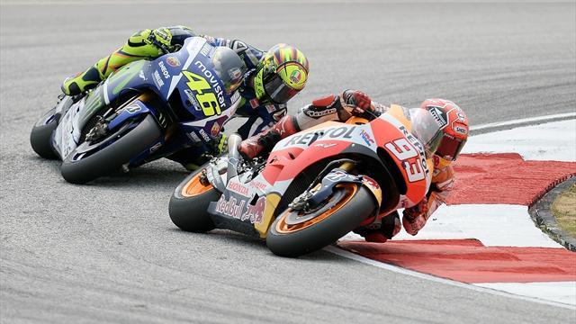 Росси сбил Маркеса во время «Гран-при Малайзии»