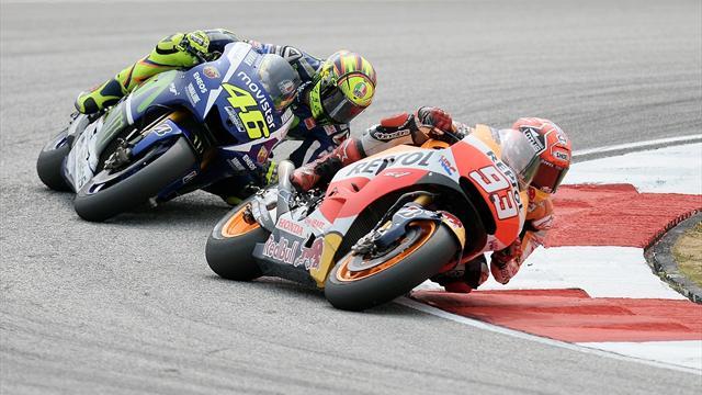 Kein Tag wie jeder andere: Rossi schießt Márquez ab