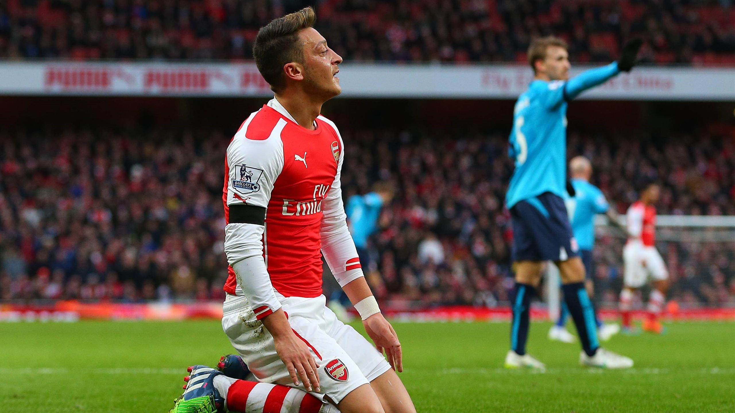 Mesut Özil sous le maillot d'Arsenal