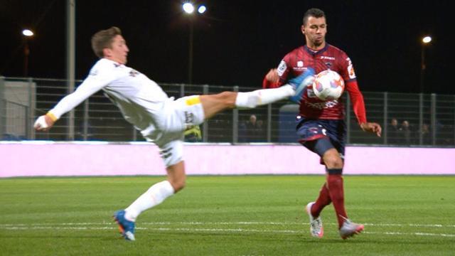 Quatre buts, deux expulsés et un nul à rebondissements : Clermont et Lens ont fait le spectacle