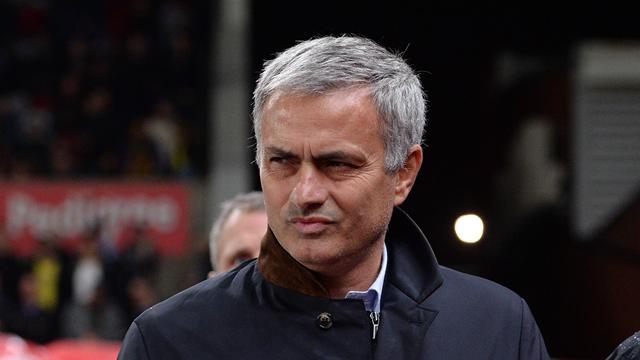 Жозе Моуринью уволен из «Челси» и получит 16,5 миллионов евро