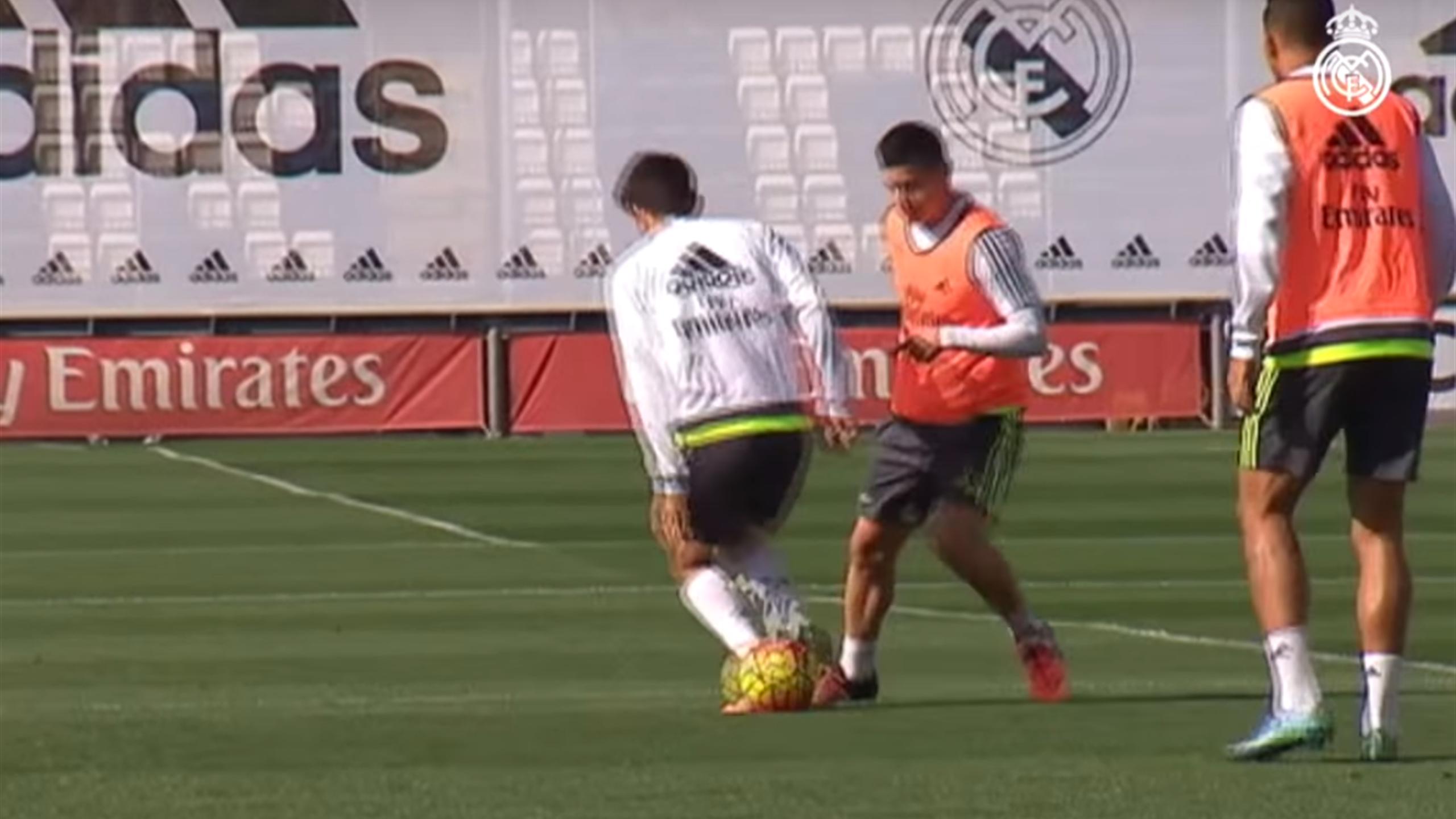 James sans pitié pour Enzo Zidane à l'entraînement du Real.