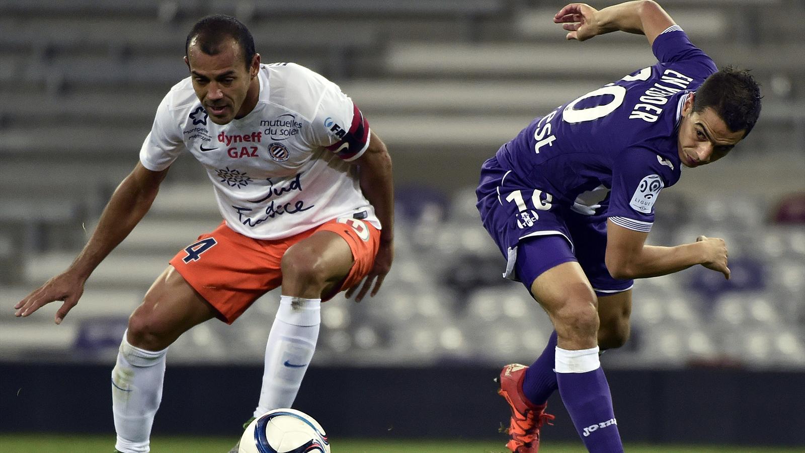 Vitorino Hilton face à Wissam Ben Yedder lors de Toulouse-Montpellier