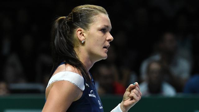 Радваньская на следующей неделе потеснит Шарапову в рейтинге WTA