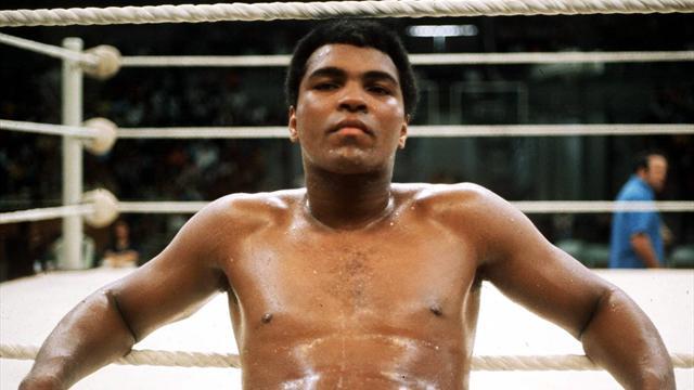Легендарный боксер Мухаммед Али госпитализирован