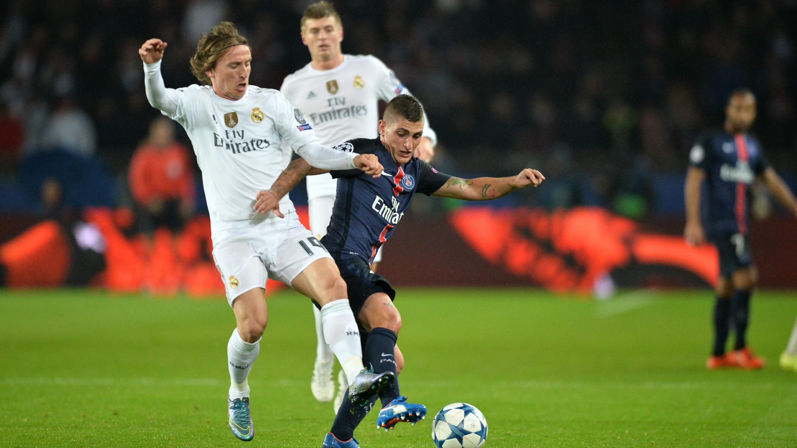 Marco Verratti au duel avec Luka Modric lors de PSG-Real Madrid