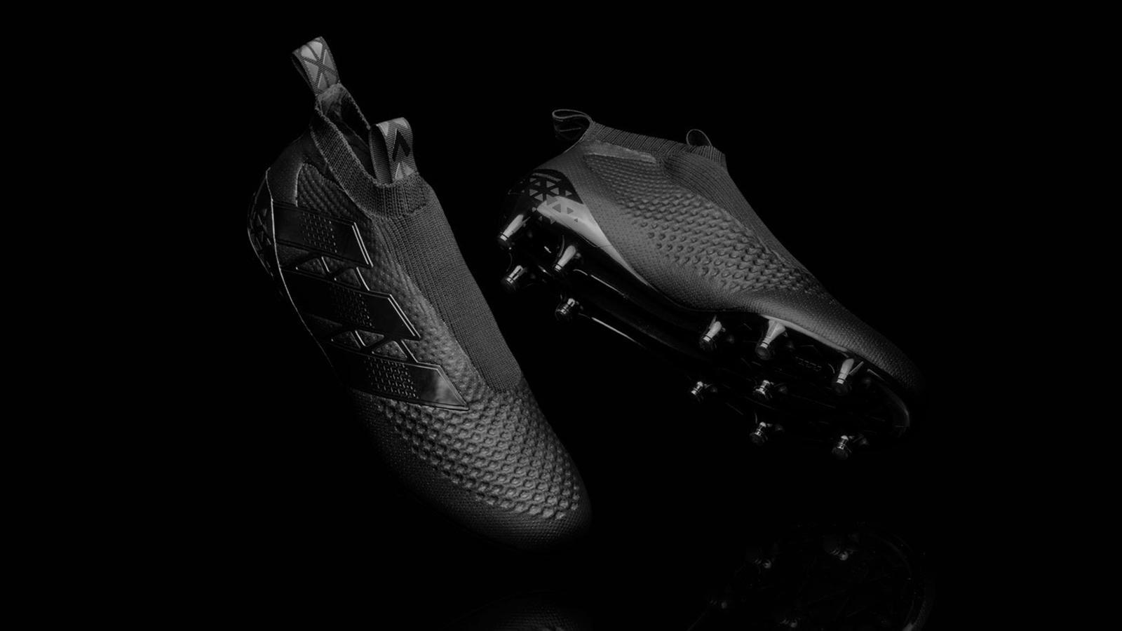 Adidas lance une chaussure de foot sans lacets ! - Economie ...