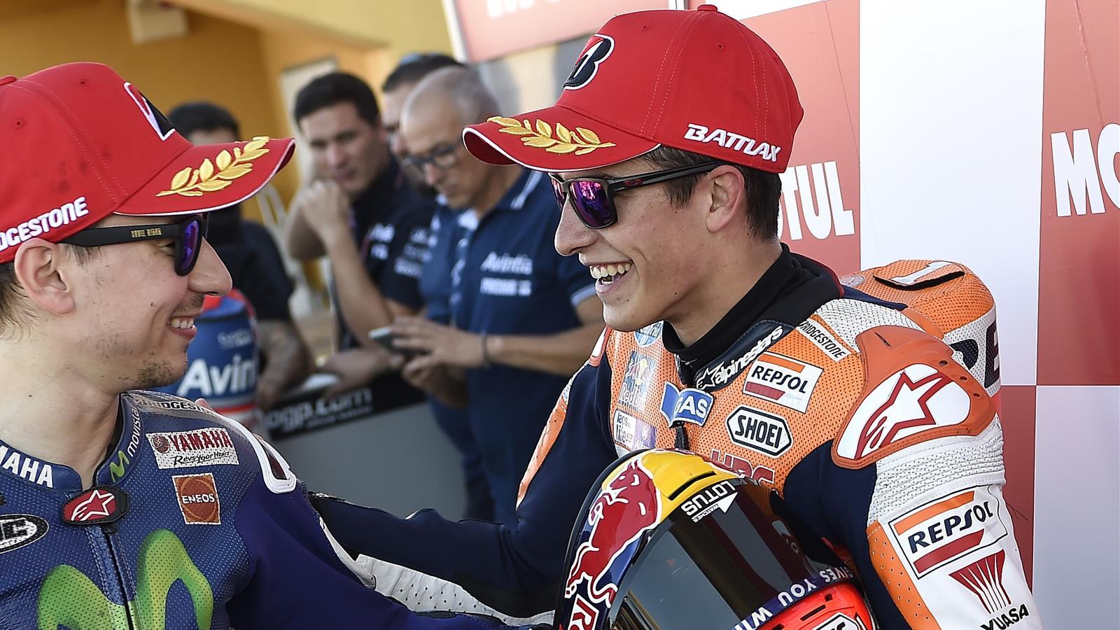Jorge Lorenzo (Yamaha Factory) et Marc Marquez (Honda HRC) après la qualification du Grand Prix de Valence 2015