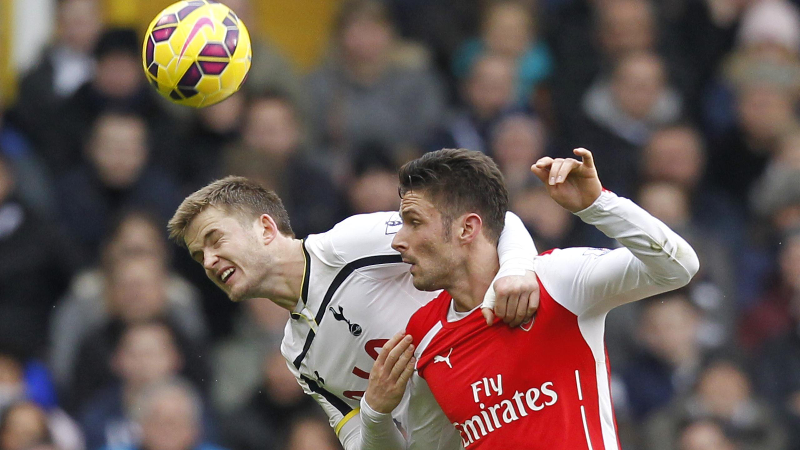 Eric Dyer (Tottenham) et Olivier Giroud (Arsenal)