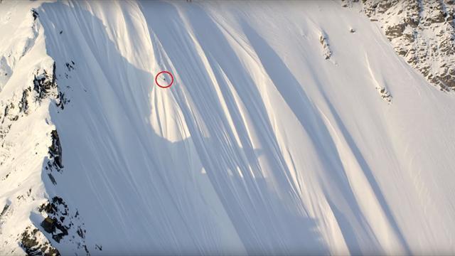 Горнолыжник выжил после падения с 500-метрового склона