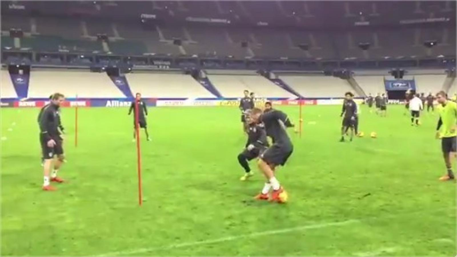 Lukas Podolski performing a trick in Germany training (Twitter)