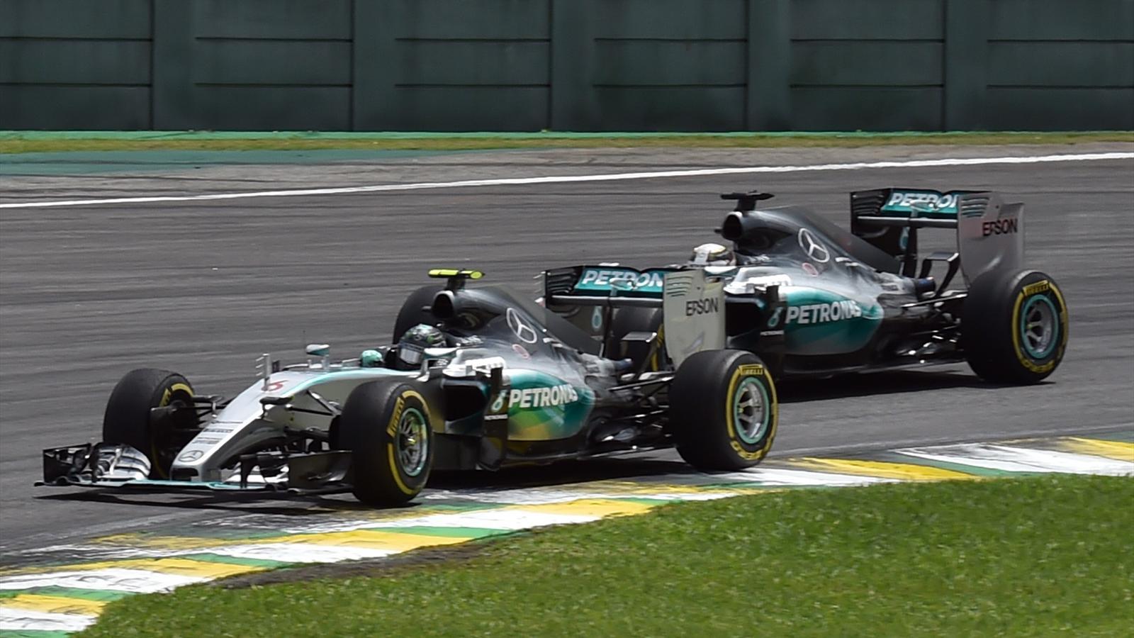 Nico Rosberg (Mercedes) a filé devant son coéquipier Lewis Hamilton en début de course pour ne plus lâcher les commandes du Grand Prix du Brésil 2015