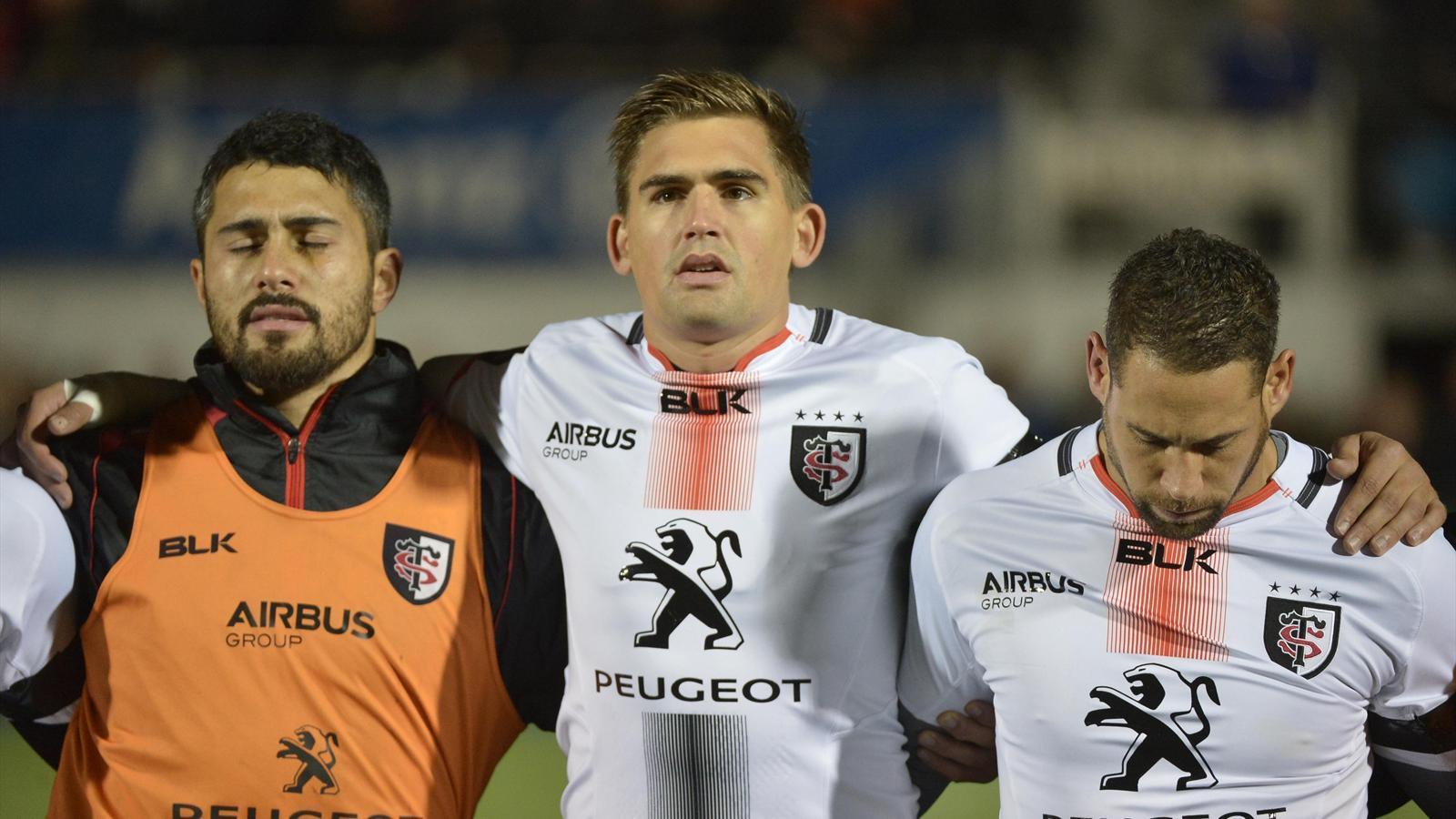 Toby Flood lors de la Marseillaise avant Saracens-Stade toulousain
