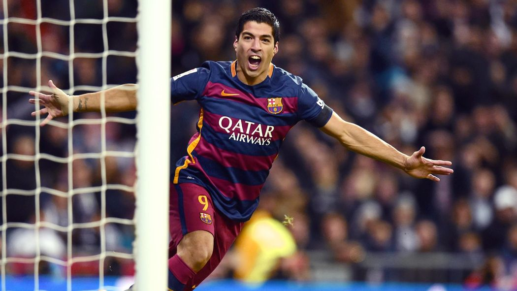 Luis Suarez inspires Barcelona to crushing Clasico win at