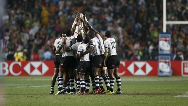 'It was just beautiful' - Fiji's rugby team serve drinks during flight emergency