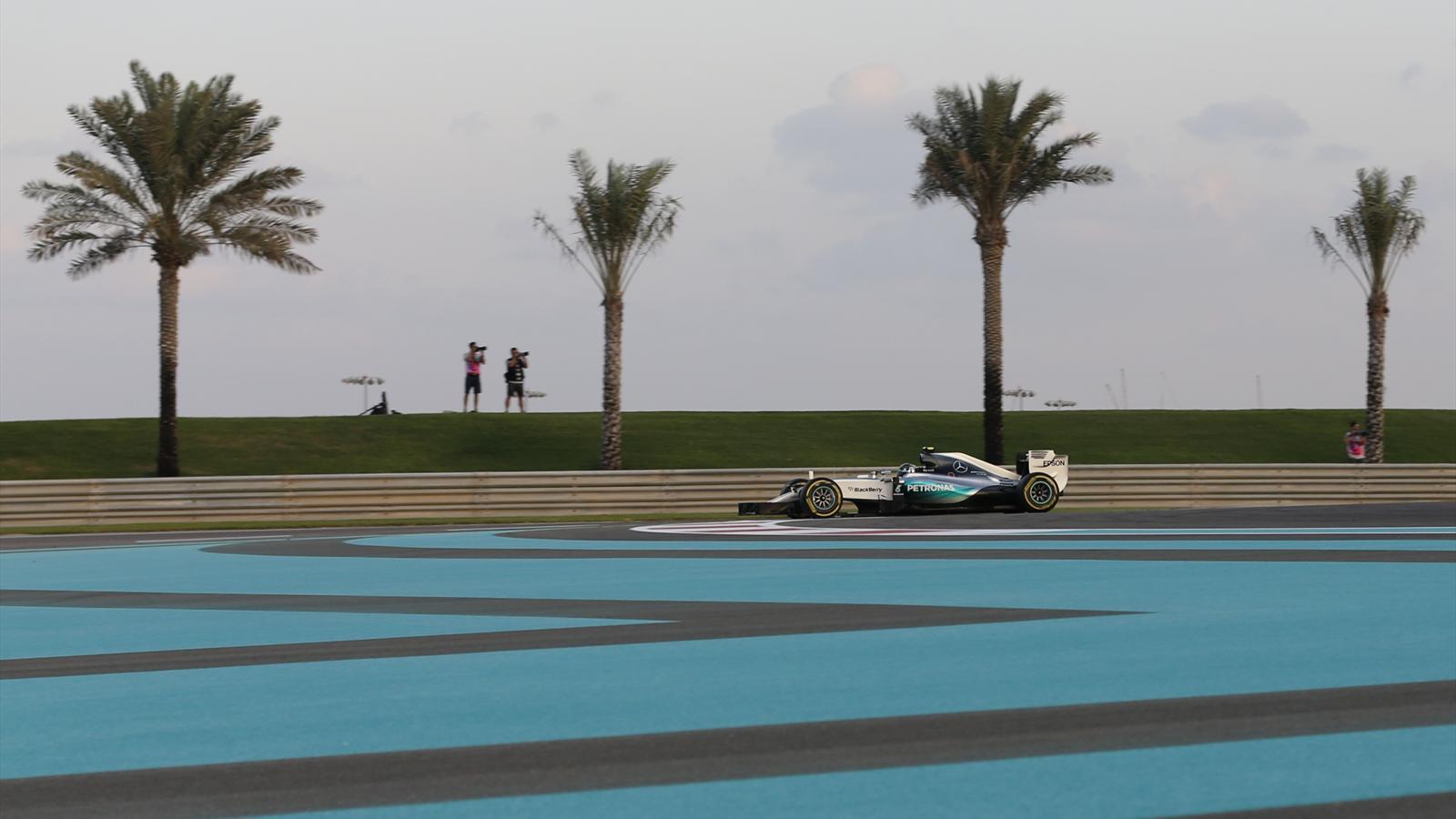 Nico Rosberg (Mercedes) a été le plus rapide des essais libres 3 du Grand Prix d'Abou Dabi 2015