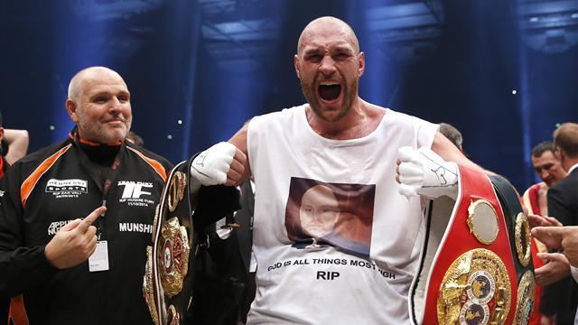 Tyson Fury beats Wladimir Klitschko to become world heavyweight champion