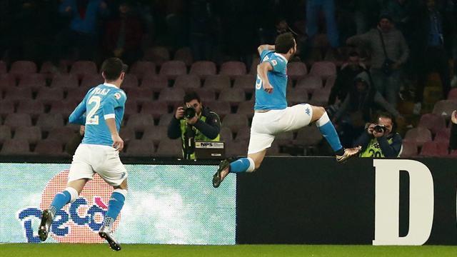 Higuain propulse Naples au sommet de la Serie A