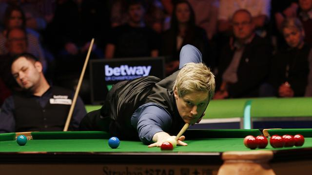Robertson eases past Maguire, Higgins edges out Burnett