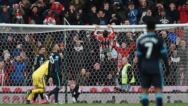 Consternant à Stoke, City tombe de son fauteuil
