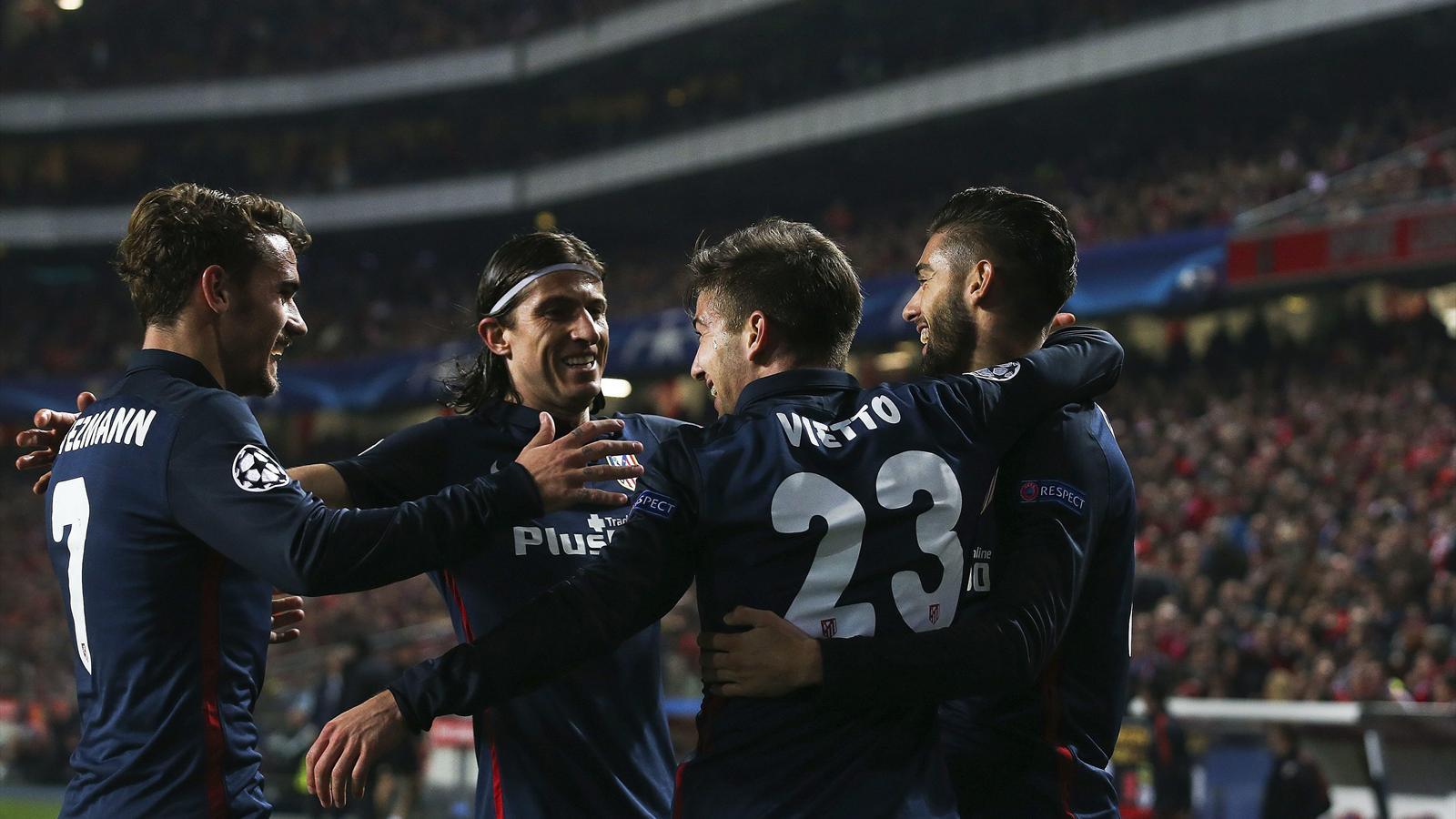 El Atlético consigue el liderato y acompaña a Medrid y Barça en octavos. Sevilla y Valencia a la Europa League.