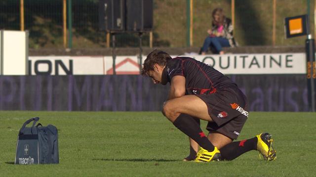 Jérémy Gondrand cherche ses dents sur la pelouse de Dax