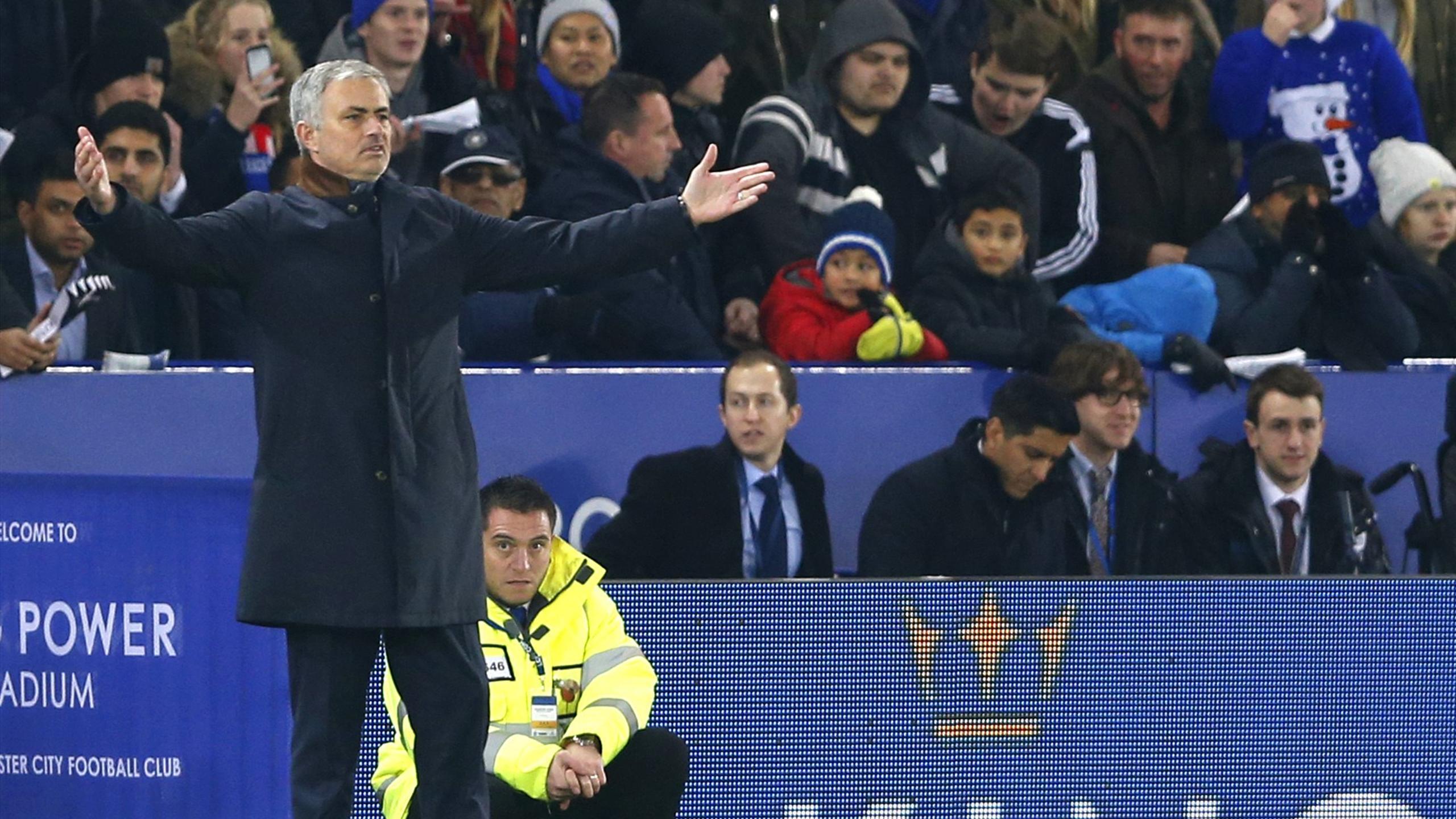 José Mourinho lors de la défaite de Chelsea à Leicester (2-1), lundi 14 décembre 2015