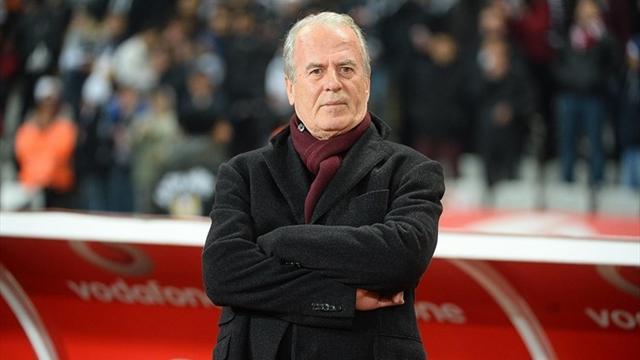 Mustafa Denizli 2 golcü birden istiyor