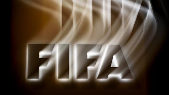 Laissé libre par Blatter, le trône de la FIFA attend son nouveau patron