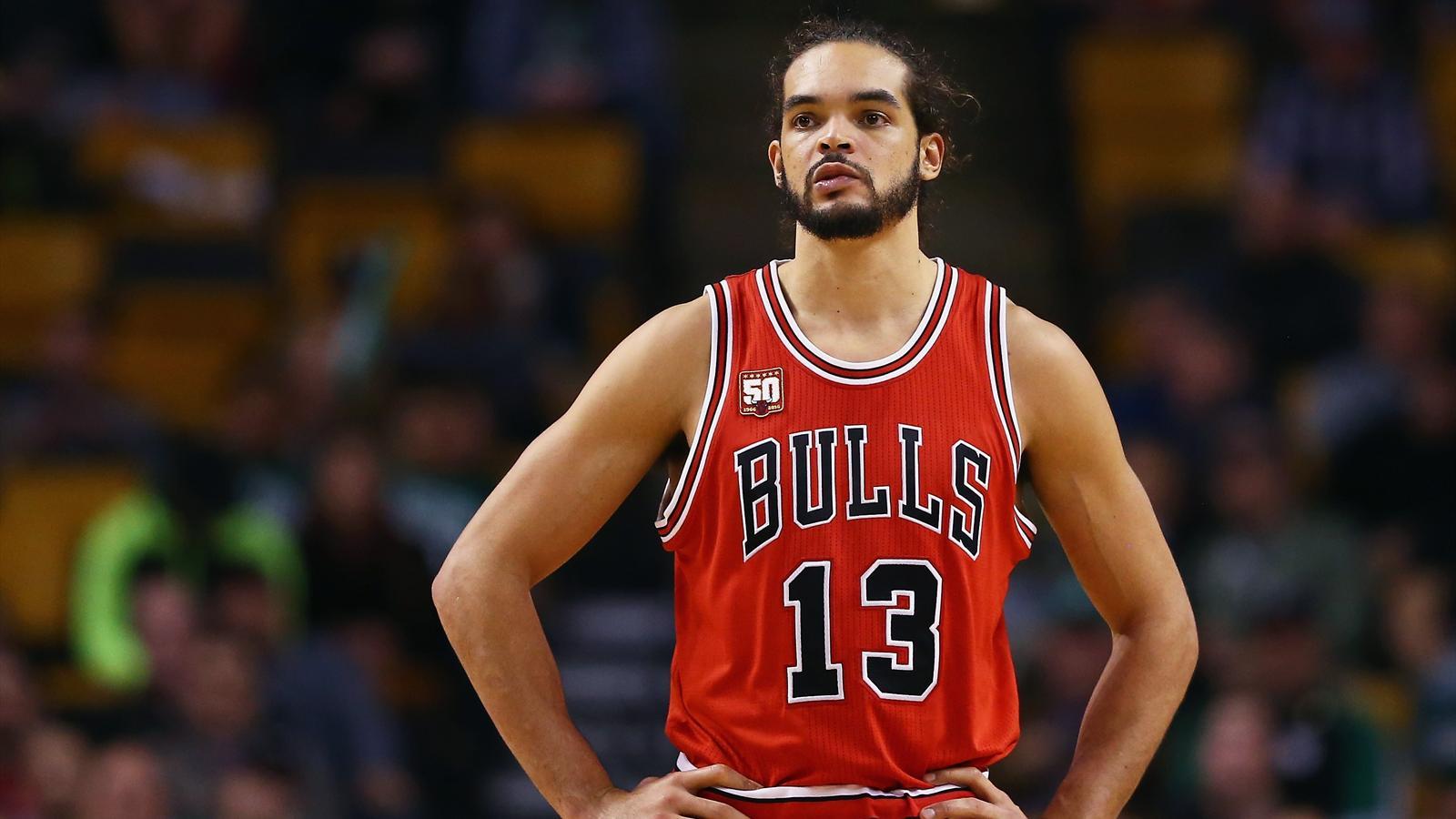 Joakim Noah est en difficulté avec les Chicago Bulls en 2015
