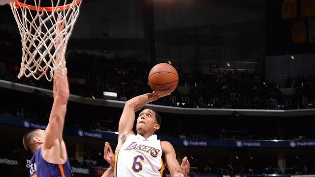 Porzingis scotché mais pas posterisé, des Lakers en mode showtime... Voici le top 10 de la nuit